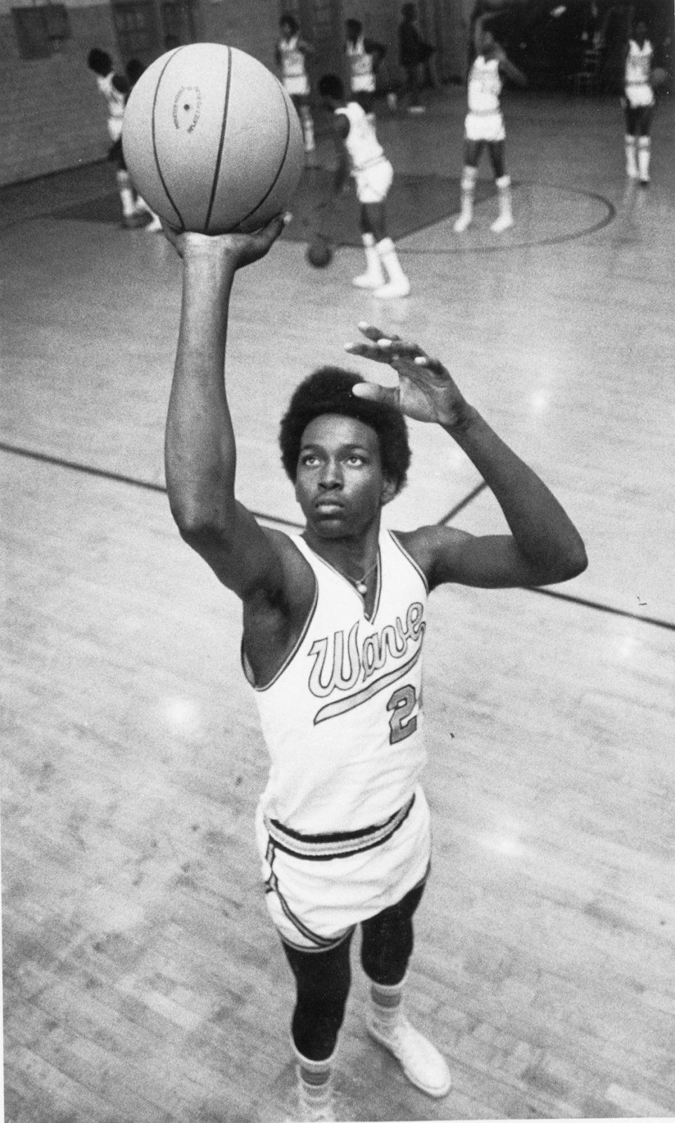 Rebajar Compuesto A merced de  How Kobe Bryant's adidas Deal Shifted the NBA | SoleSavy
